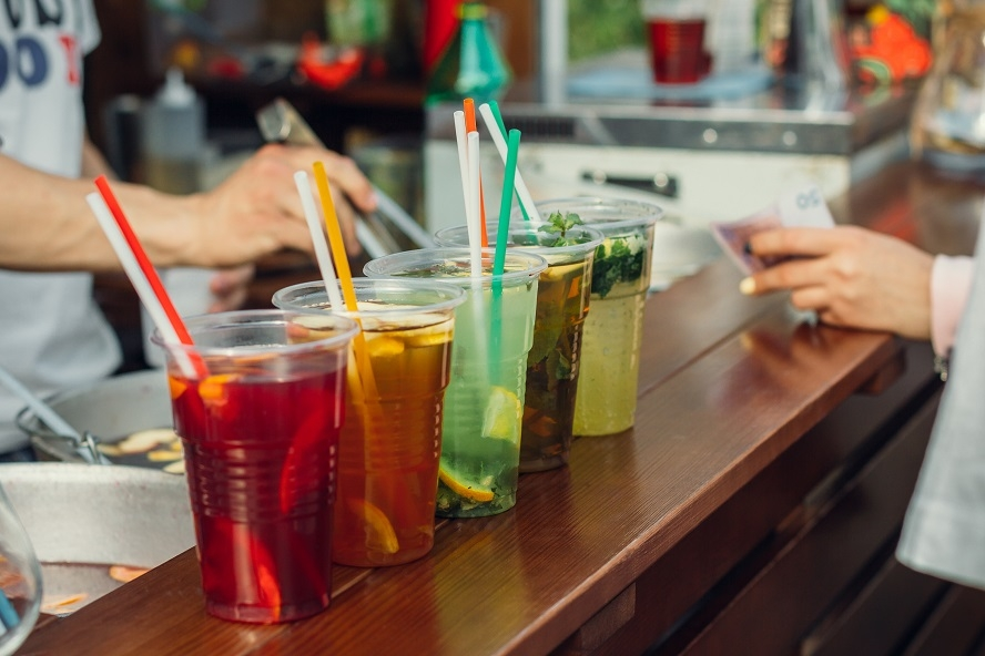 Disposable Plastic Cups and Straws